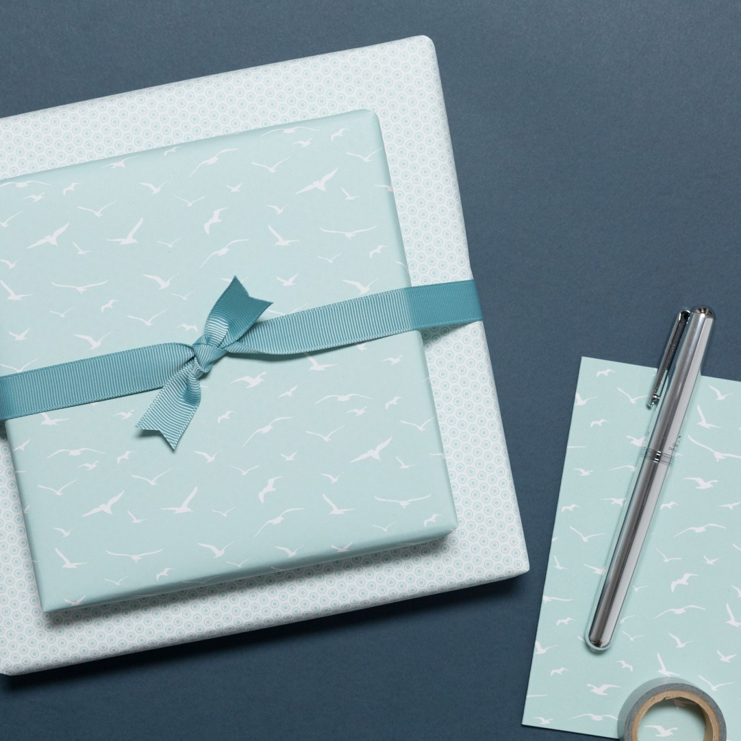 GIFT WRAP BIRDS & DOTS - MINT