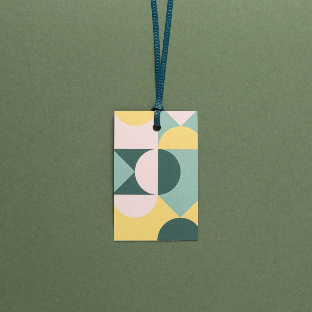 """5 GIFT TAGS """"SHAPES"""""""
